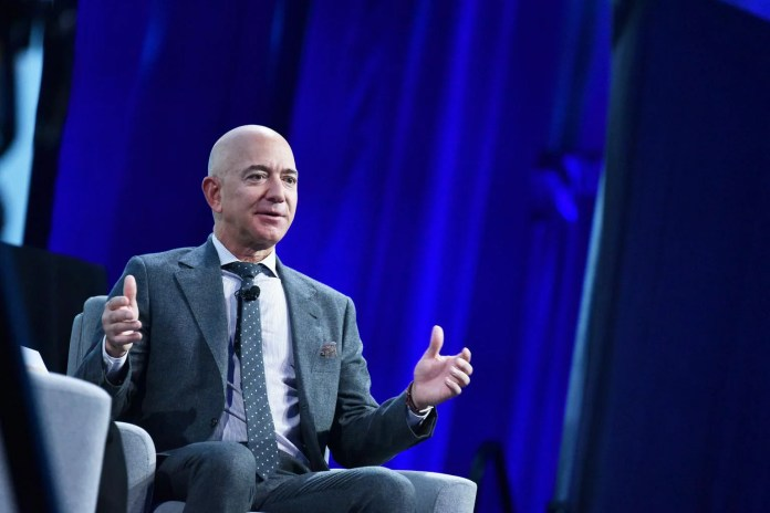 Jeff Bezos sells US$3.1 billion of Amazon shares after wealth jumps,  Companies & Markets News & Top Stories - The Straits Times