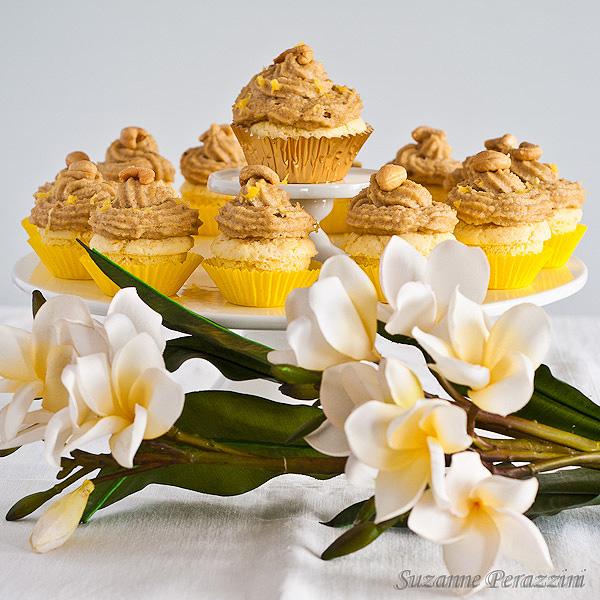 Almond, orange & Cashew Cupcakes