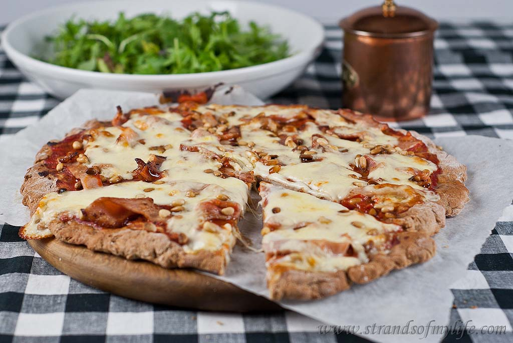 Bacon and Tomato Pizza - gluten-free & Low FODMAP