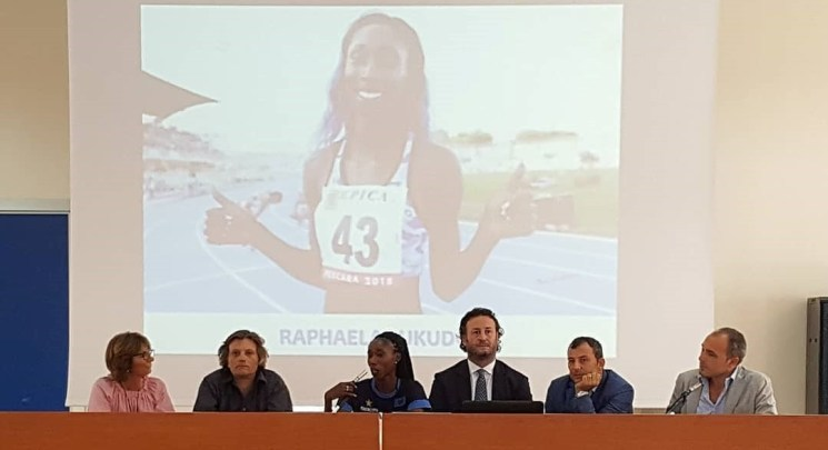 La madrina Raphaela Lukudo al Liceo Sportivo Jommelli