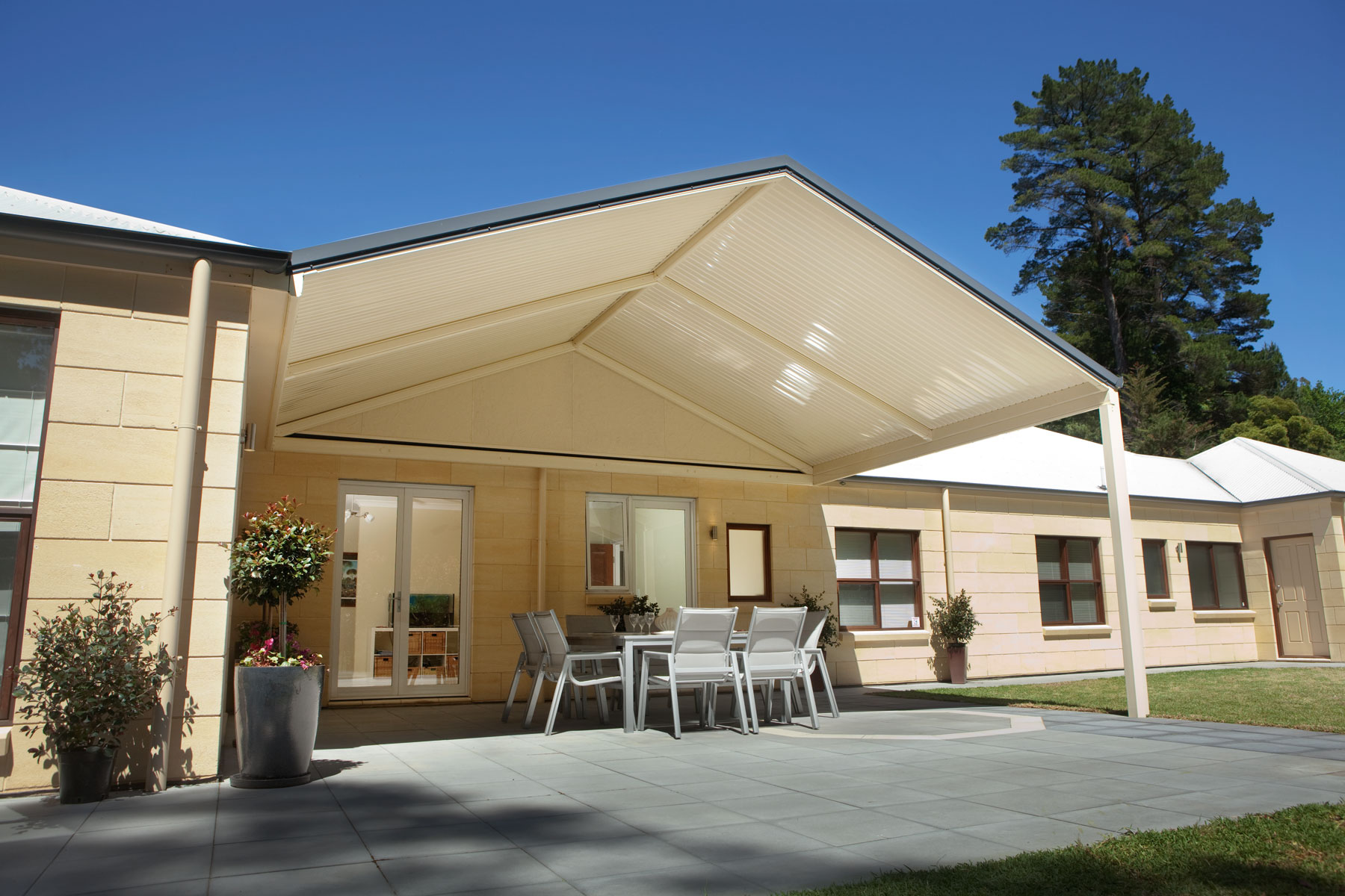 outback® gable   stratco