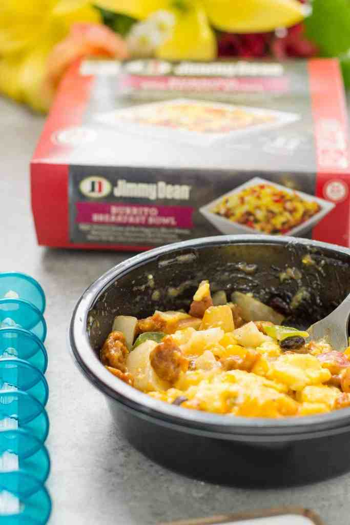 """Mornings are chaotic but with these """"Tips to improve your Mornings with Jimmy Dean"""" you can conquer the chaos before your week starts! 