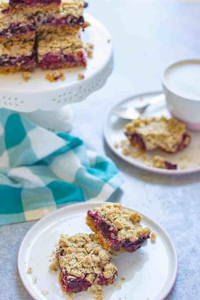 Mixed Berry Crumble Bars