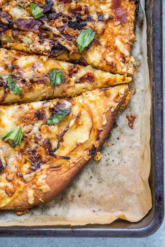 Apple, Bacon and Caramelized Onion Pizza