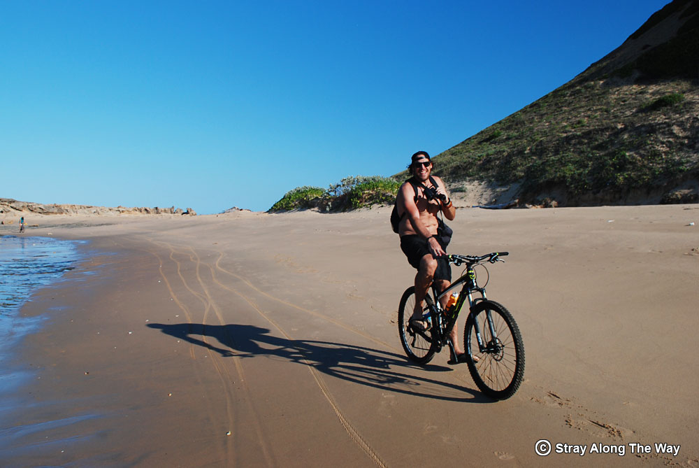 Cycling-on-the-beach-at-Bella-Rocha-Mozambique