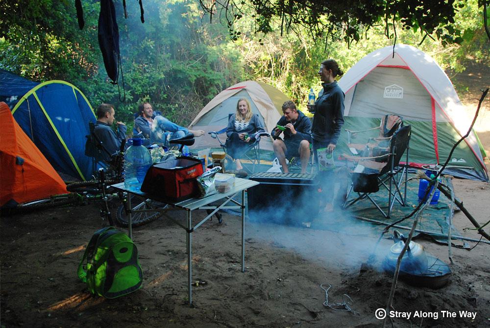 Mozambiqu-cycle-team-in-camp-at-Milibangalala