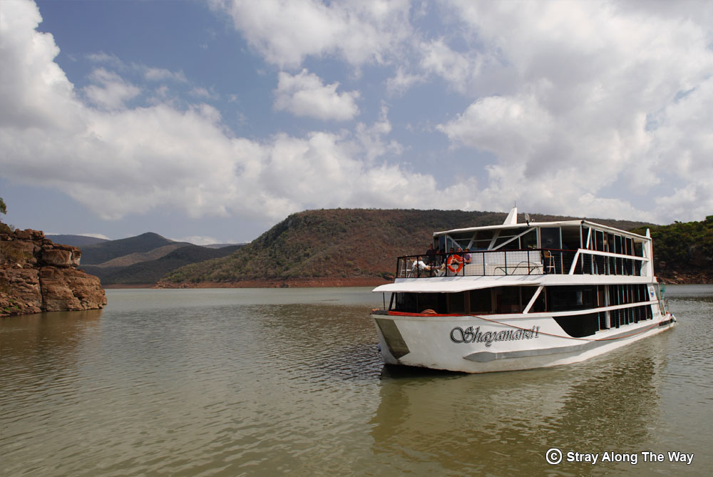 Shayamanzi houseboat on Jozini Dam