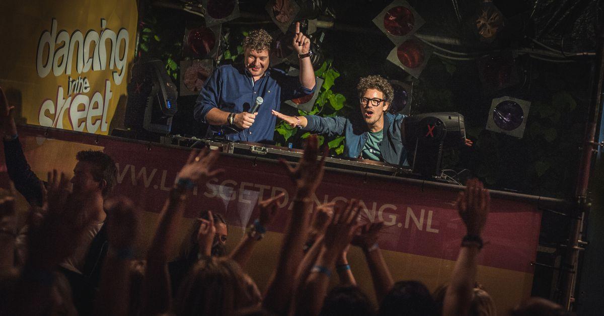 Dansen met Maan en DJ Jean tijdens Dancing in the Street