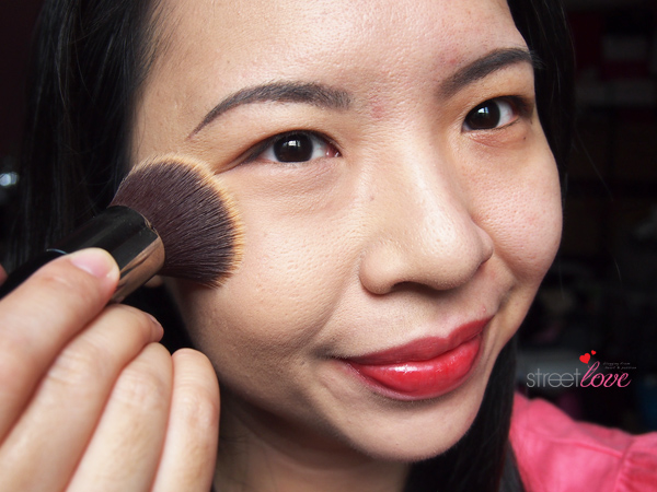 Colours Cosmetics Malaysia Flat Top Foundation Brush using with Powder Foundation 3