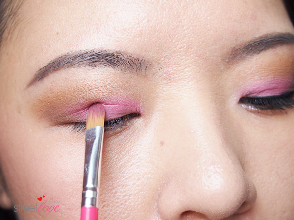 Make Up For Ever Artist Shadow Tutorial 8