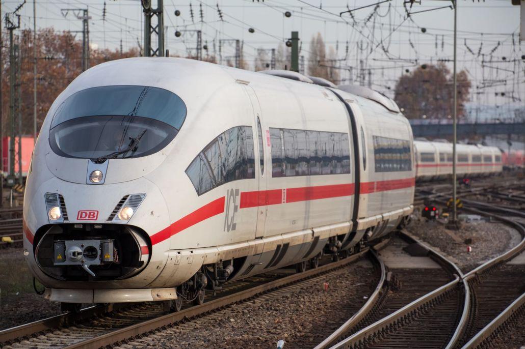 DB(Deutsche Bahn)-ICE3