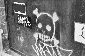 skulls_and_love_me.jpg