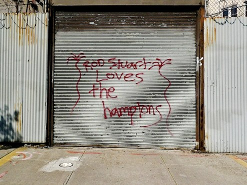 rod stewart loves the hamptons street art