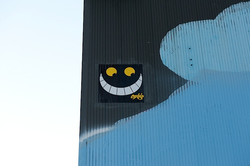 cheshire_cat_street_art.jpg
