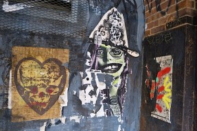 judith_supine_street_art_in_dumbo_ny.jpg