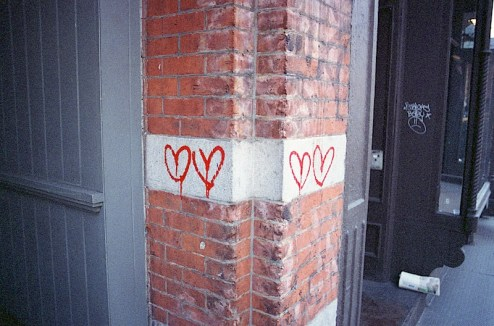 heart street art and graffiti found in nyc