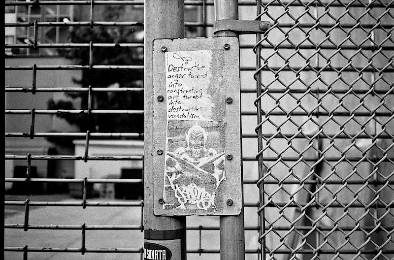 graffiti_by_curly_nyc.jpg