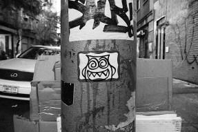 crazy_eyes_street_art_sticker.jpg