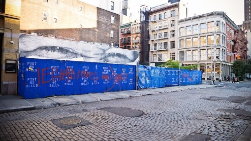 leghead loves wallstreet graffiti found in SoHO, NYC