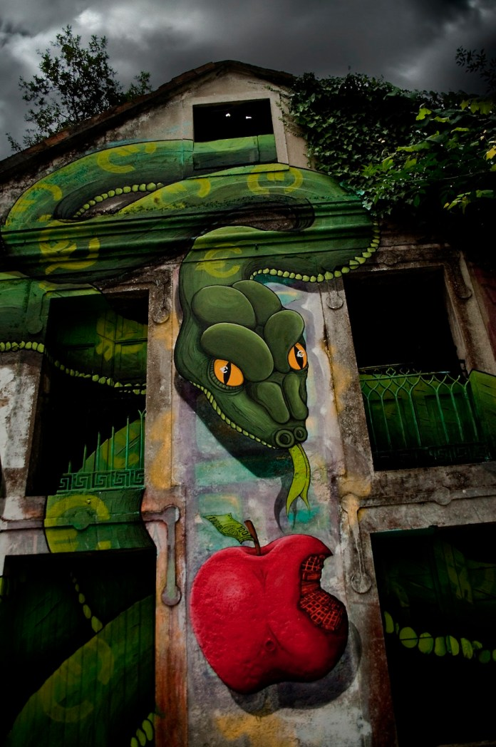 By SOKRAM. At DESORDES CREATIVAS 2012 in Ordes, Galiza, Spain 3