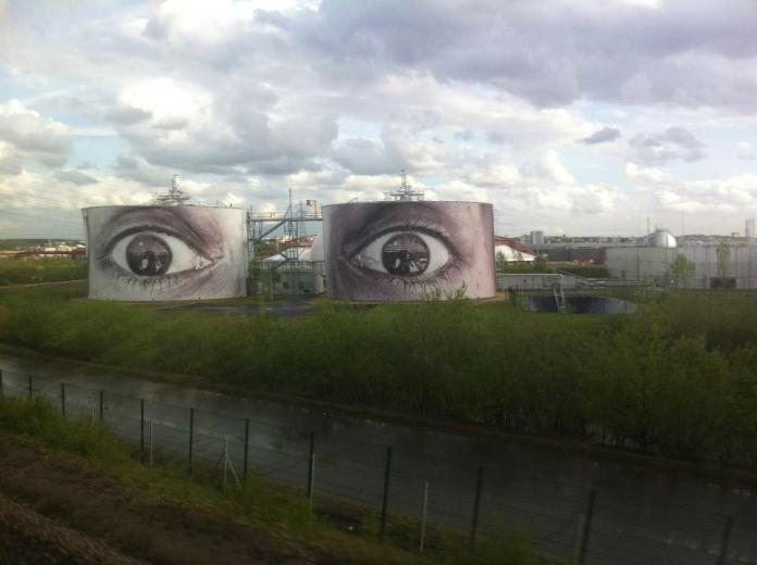 Street Art outside of Paris, France