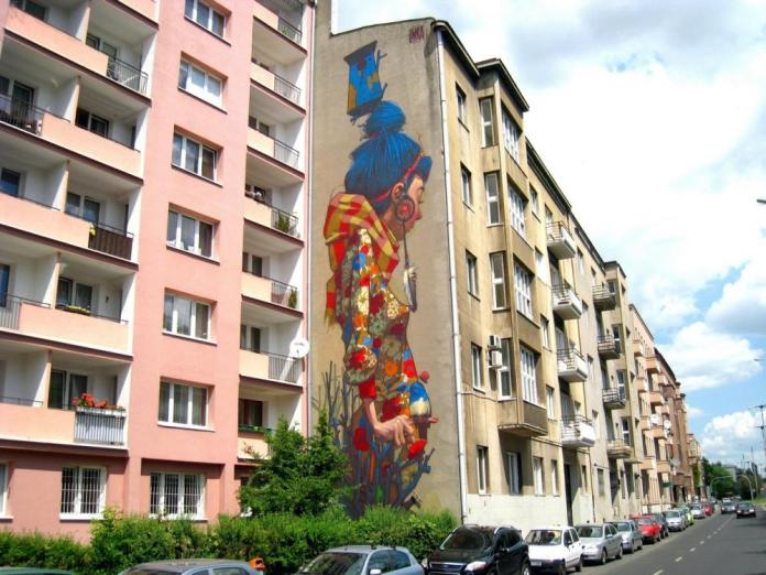 5 Galeria Urban Art Forms in Lodz, Poland. By Saine