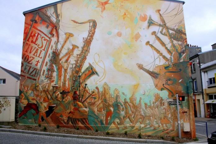 23 beloved Street Art Photos – May 2012