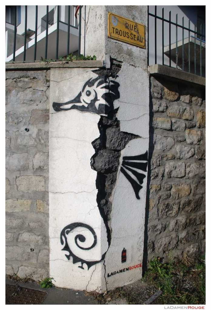 Sea Horse in St Etienne, France by Ladamen Rouge smal
