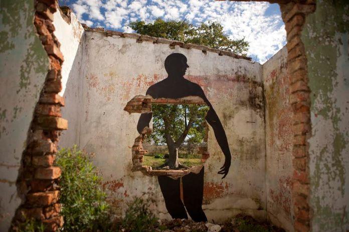 Street Art by David de la Mano in Villa Soriano, Uruguay 1