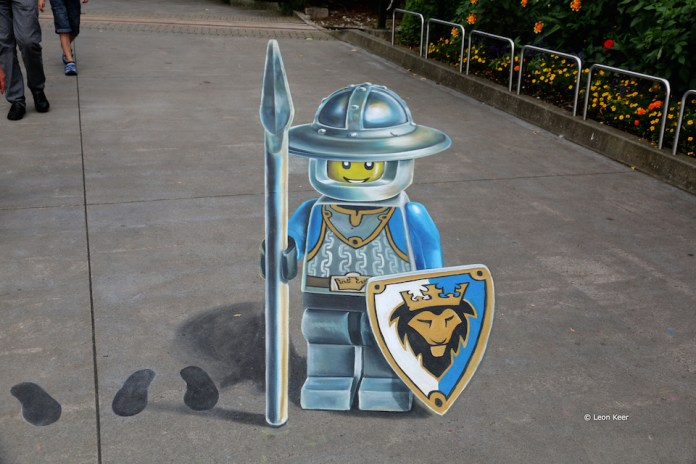 3D Street Art by Leon Keer at Legoland 2014 2