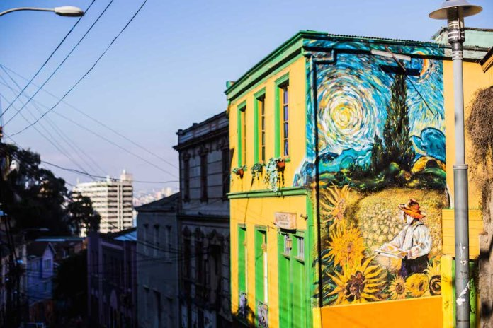 Street Art – Van Gough in Chile