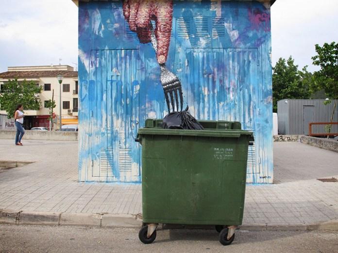 Street Art by Sath in Mallorca, Spain - Con-tenedor