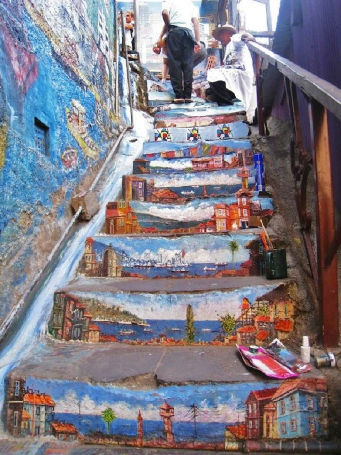 #StreetArt #Stair in #Valparaiso, #Chile