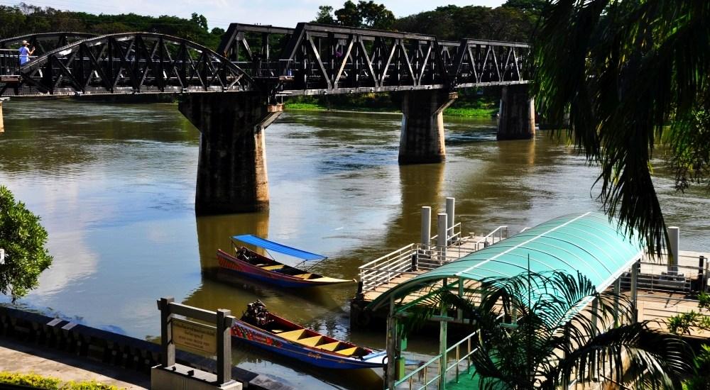 Kanchanaburi a jeho most cez rieku Kwai