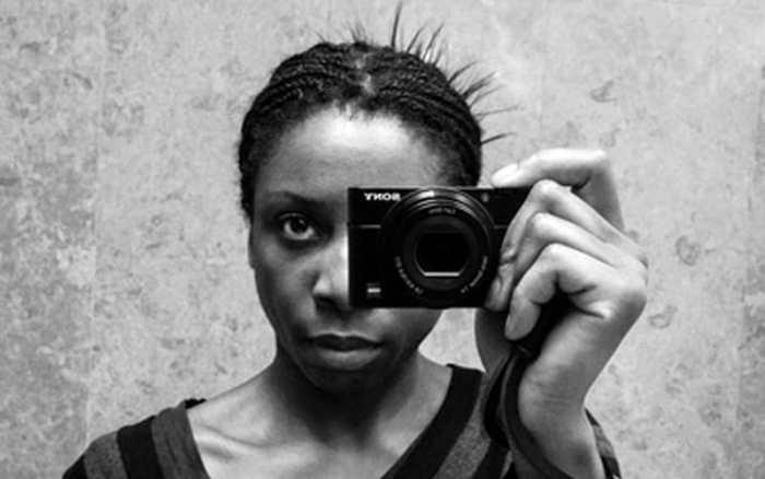 Street Photographer Linda Wisdom