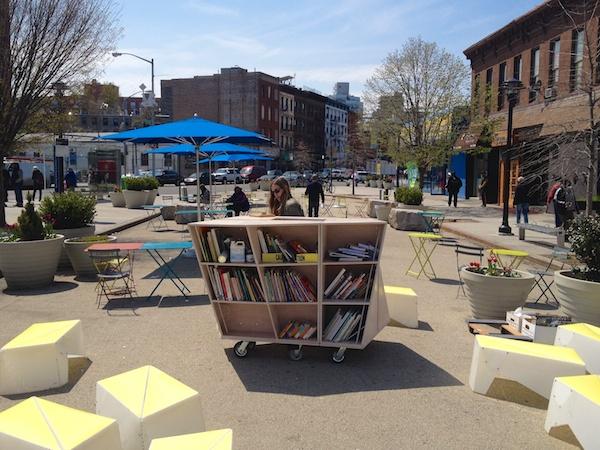 Uni at Putnam Plaza