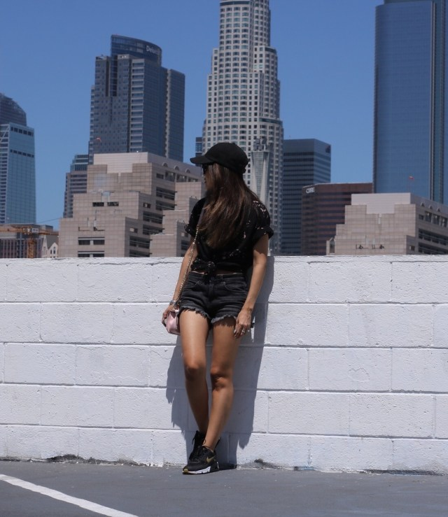 streetstyle athleisure outfit downtown la