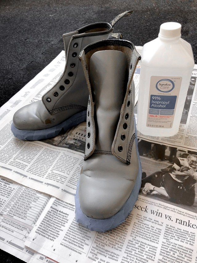 painting leather boots