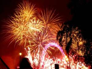 fireworks-645048_1280