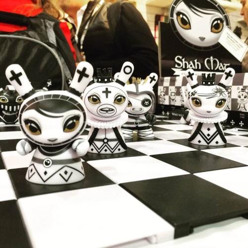 Bjornik-kidrobot-Dunny-Shah-Mat-Dunny-Chess-set-1