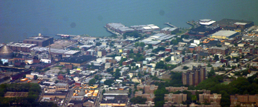 Red_hook_brookyn_NY_ek_2005_1.jpg