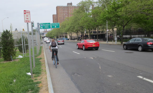 There are still many gaps in the bike network, like this harrowing connection from the Willis Avenue Bridge on 135th Street in the Bronx, where de Blasio administration can make tremendous progress by adding new infrastructure.