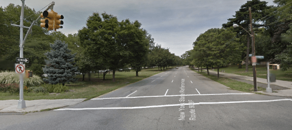 This might look okay in the suburbs, but not in the middle of the Bronx. Local residents want DOT to tame traffic on Mosholu Parkway. Photo: Google Maps