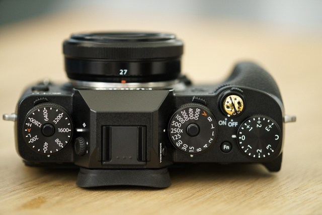 Fuji XT2 Street Photography Review - DSLR Form Factor