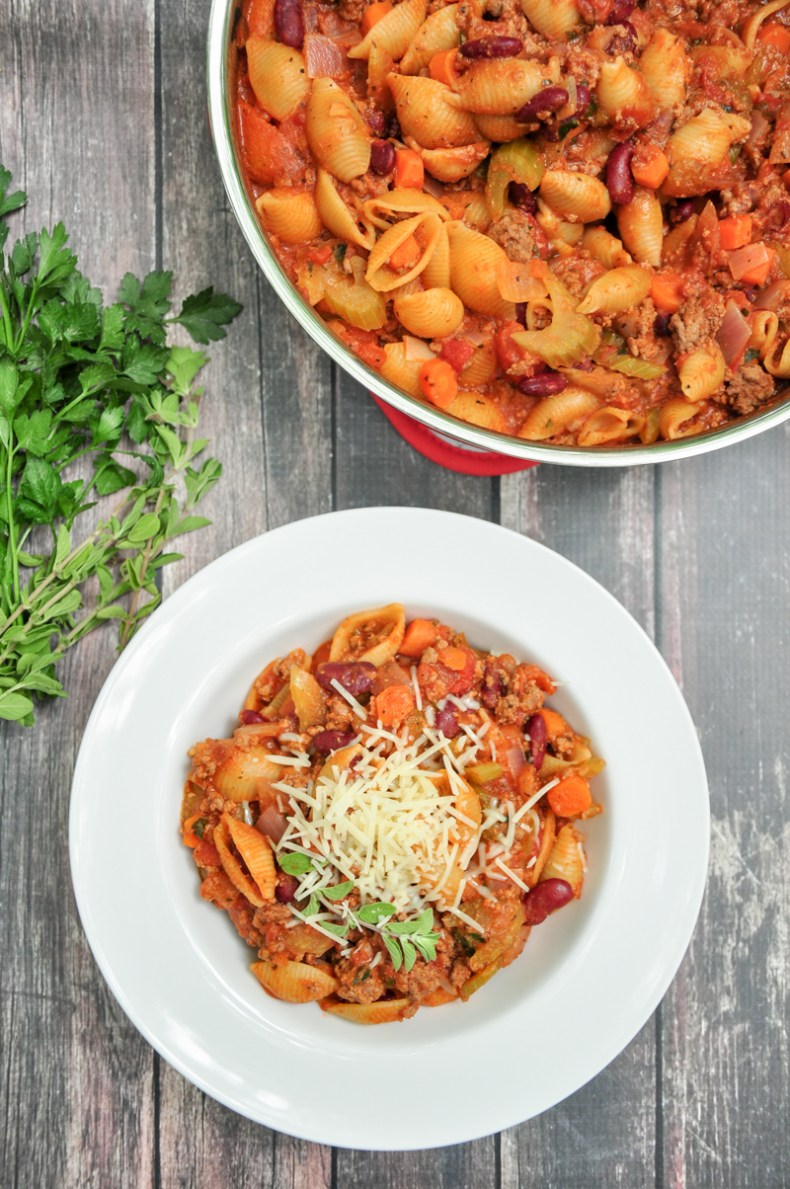 One-pot pasta made with kidney beans, ground beef, onions, carrots, celery, tomatoes and simmered in beef broth and spaghetti sauce.