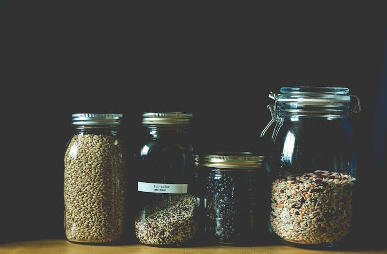 different types of raw quinoa