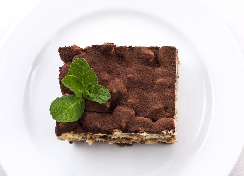 tiramisu - does kahlua go bad