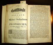 Questa immagine ha l'attributo alt vuoto; il nome del file è 694px-Nostradamus_prophecies.jpg