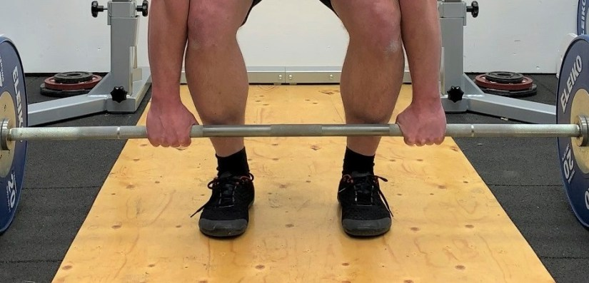 Deadlift with double overhand grip
