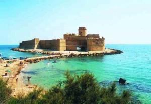 castello isola capo rizzuto